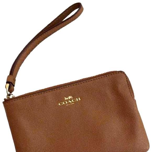 ✨💕 Coach brown cross grain leather wristlet✨🌺